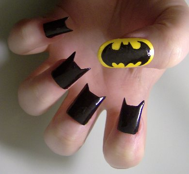 http://unhasinspiradas.files.wordpress.com/2012/04/blog-geeksaresexytech-net-batnails.jpg