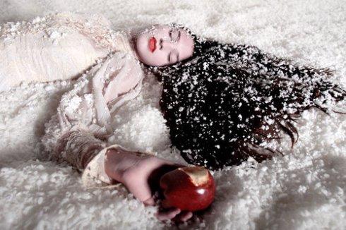 Foto linda de Cyrill Helnwein