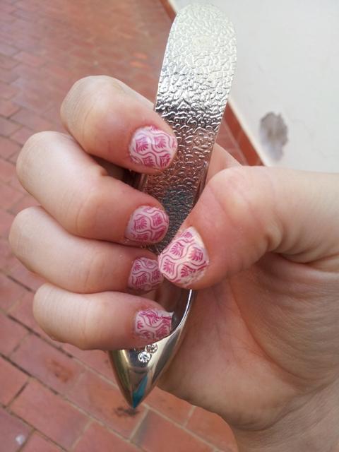 Aqui a foi uma combinação linda em tons de rosa, com carimbo, desta postagem aqui