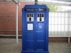 2010TARDIS_at_BBC_TV_Centre